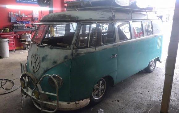 Volks bus. 1960ss. Small 5 chanel system with 2 speakers 1 sub and a special classic look radio